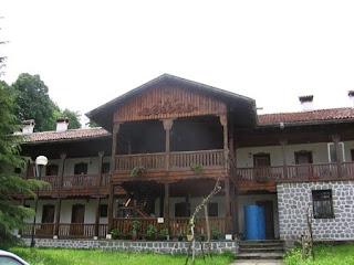 Клисурски манастир до Вършец