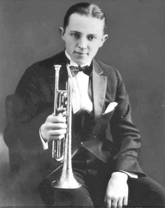 bix beiderbecke Bix beiderbecke influenced early horn players in a different way than louis armstrong.