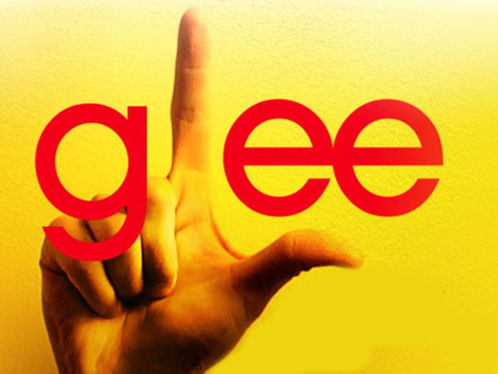 http://1.bp.blogspot.com/_ZVtd8SFV738/TU-B9KibS4I/AAAAAAAABAE/SeINua9IBl4/s1600/Glee-glee-wallpaper.jpg