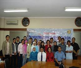 Foto Pelatihan Ekonometrika & Statistik EKonomi
