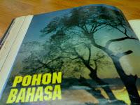 NASKAH LAKON ''RONGGOLAWE'' KARYA S.T. WIYONO : SEBUAH ANALISIS STILISTIKA