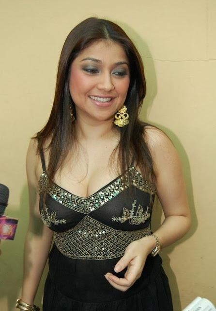 Suami Sarah Azhari