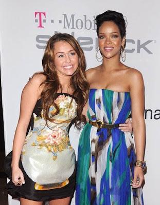 http://1.bp.blogspot.com/_ZZ-CqtHjAnk/SY-HmVYiz5I/AAAAAAABVXk/ylbIG5dvbTY/s400/Miley+Cyrus+And+Rihanna.jpg
