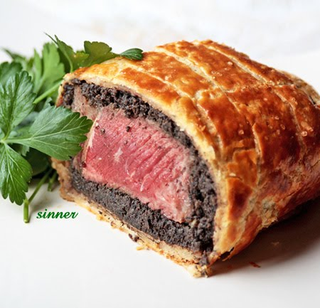 Beef Wellington with flaky pastry