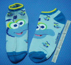 Gonzo Muppets socks > boys or girls