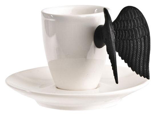 Эта чашка с крыльями и блюдце прекрасно подойдет для вашего чаепития и добавит веселья.
