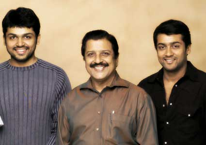 Actor Sivakumar Family Photos http://allinonereligiousandworldnews.blogspot.com/2012/05/tamil-cinema-celebrities-family-photos.html