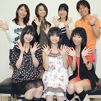Kiruminzuu: (front) Satou Satomi, Yuuki Aoi, Anzai Chika; (rear) Tamura Mutsumi, Ikebe Kumiko, Tange Sakura, Nojima Kenji