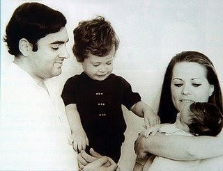 Sonia-Gandhi-family-Mother's-Day