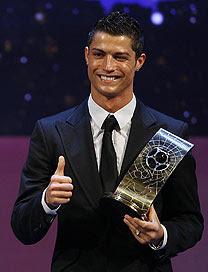 Cristiano Ronaldo destrona KaKá e é o melhor do mundo