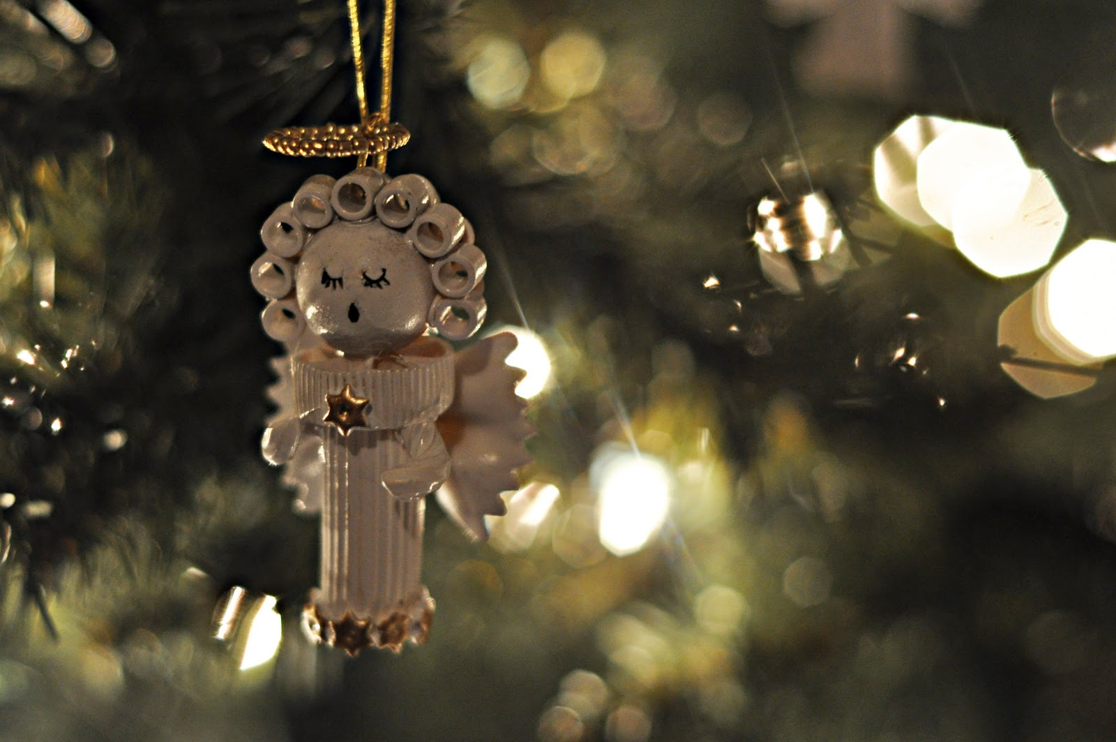 Dried pasta angel ornament by jessica at craftily ever for Angel decoration