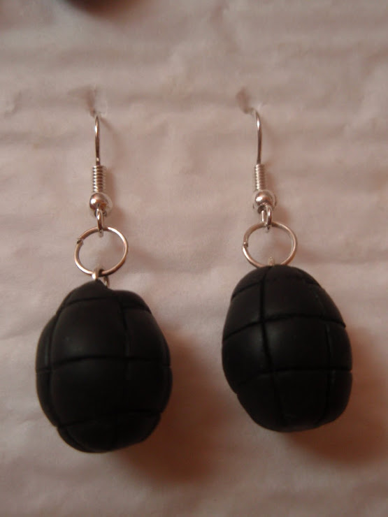 Cod 108. Cercei grenada. Pret 12 ron