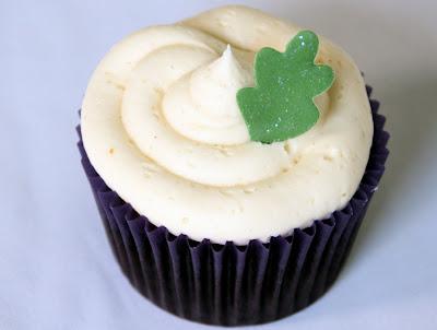 Chocolate cupcake vanilla buttercream sugar leaf