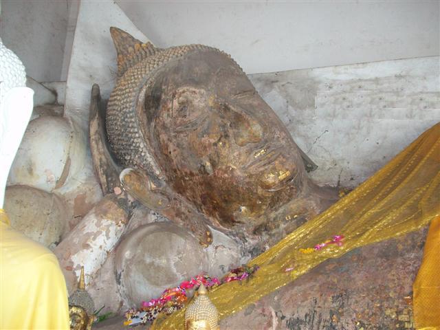 พระพุทธรูปปางไสยาสน์ (เณรแก้ว)