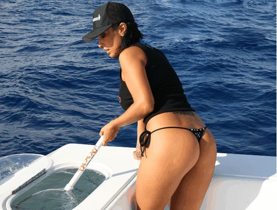 Hot fishing babes hot girl in thong with landing net for Hot girls fishing