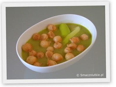 Zupa krem z porów - klasyka z ziołowym dodatkiem