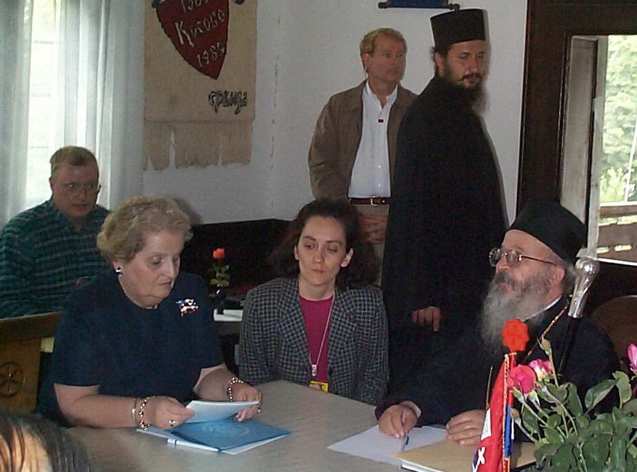 [Слика: Medlin+Olbrajt+u+Gracanici+1999b.jpg]