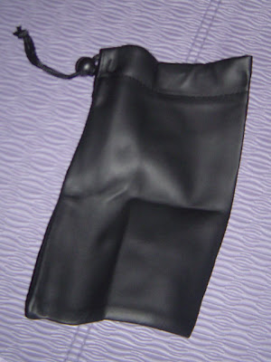 leatherette carrying pouch