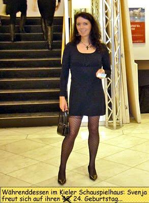 Svenja Transgender im Kieler Schauspielhaus Foyer