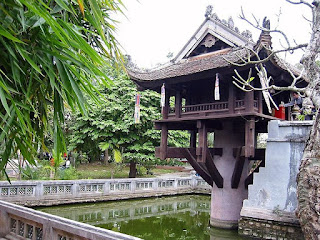 Chua Mot Cot-One Pillar Pagoda- a famouse place in Hanoi
