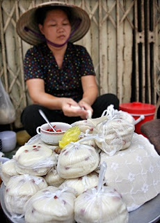 Plain rice flan(Banh Duc )- A popular cake middle Hanoi