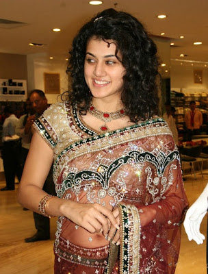 Tapasee Pannu Navel Images hot photos