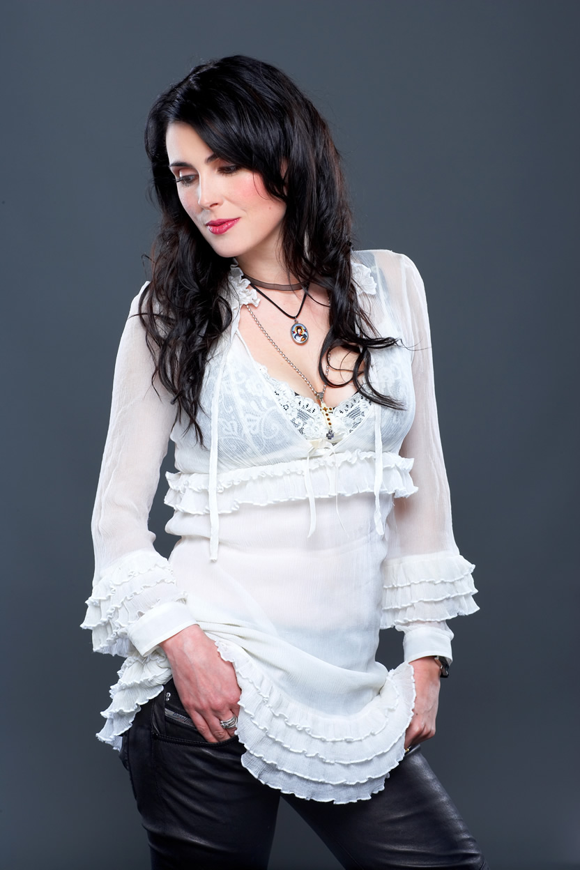 Sharon Den Adel - Picture Actress
