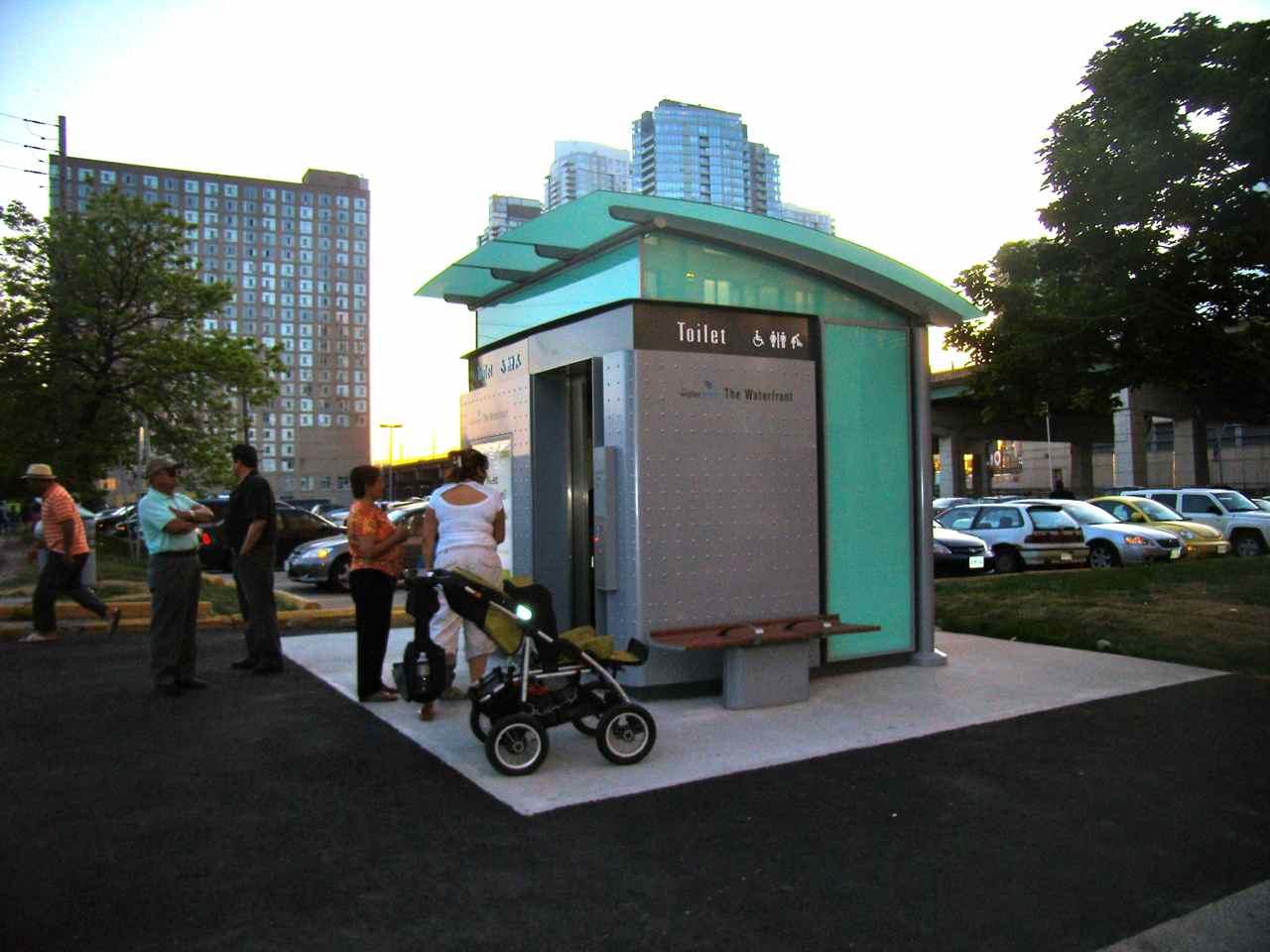 Toronto para Insiders: Primeiro banheiro público pago de Toronto  #377B94 1280 960
