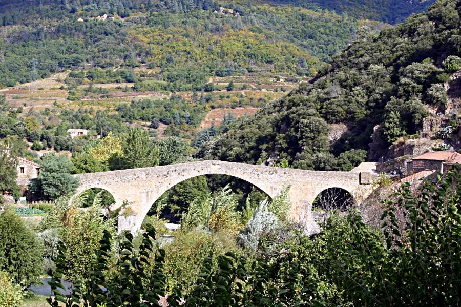pont du diable devil's bridge olargues france