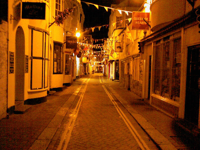 ST ALBAN'S STREET AT NIGHT