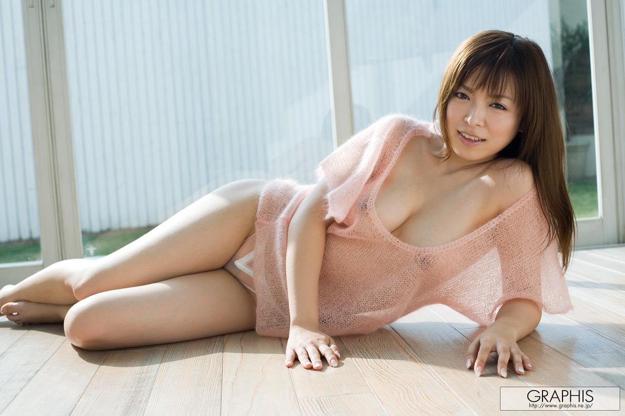 Трах японок с огромными сиськами 5 фотография