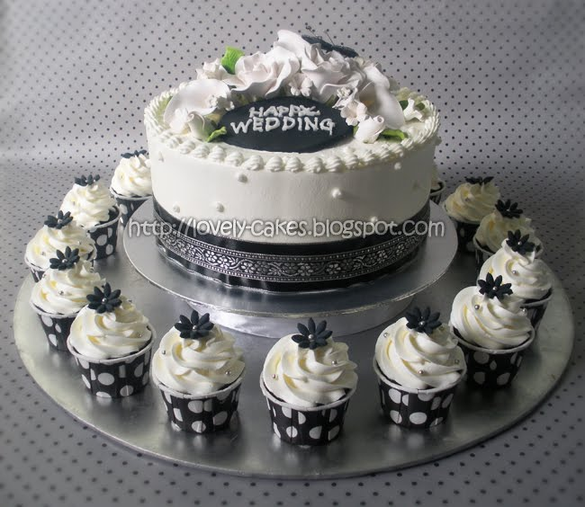 Wedding set of Cake Cupcakes 16pcs Chocolate Flavor with Buttercream 