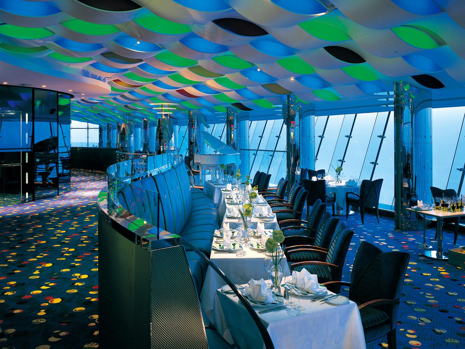 Famous interior design interior design burj al arab dubai for Hotel design dubai