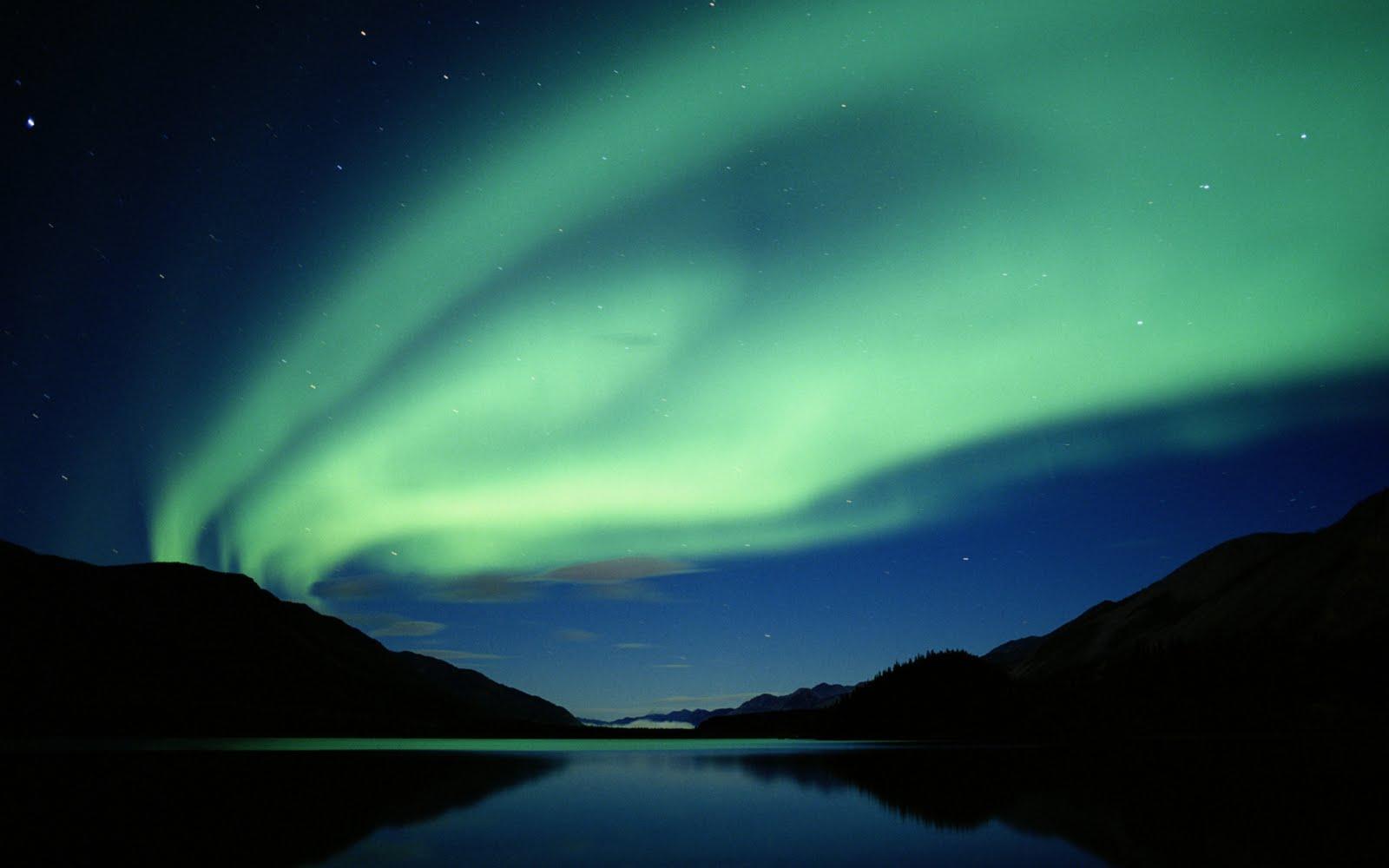 http://1.bp.blogspot.com/_Zw41kxI2akg/TTMFdprlQwI/AAAAAAAADGU/o-jnygrYWXs/s1600/aurora_boreala_1.jpg