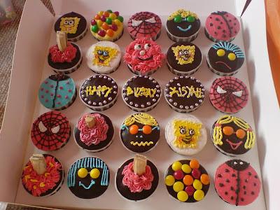 cupcakes cartoon background. cupcakes cartoon background. birthday cupcakes cartoon. CARTOON BIRTHDAY CUPCAKES; CARTOON BIRTHDAY CUPCAKES. birthday cupcakes cartoon.