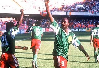 Roger Milla con la Selección de Camerún