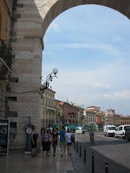 הכניסה לעיר העתיקה של ורונה