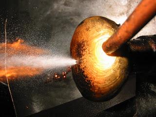 Werner 39 s blogspot homemade blacksmith forge for Burning used motor oil for heat