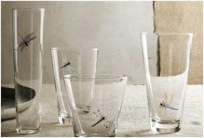 realistas libelulas estampadas en vasos de cristal