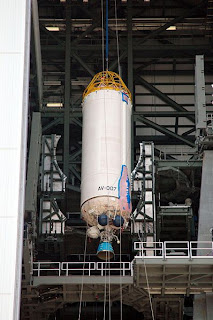 Centaur_upper_stage_of_Atlas_V_rocket.jpg