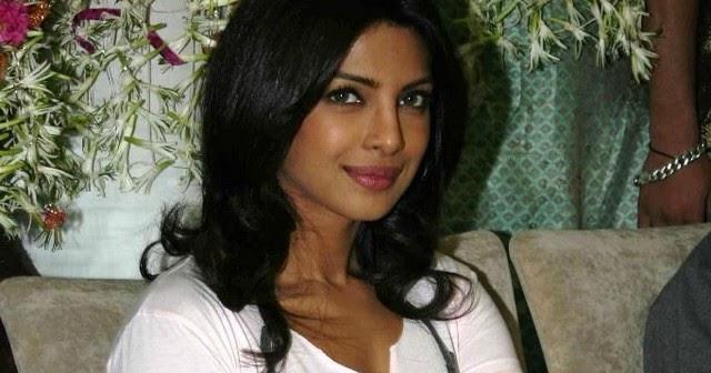 priyanka chopra hot actress photos pics pictures