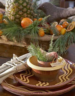 Fields of Linen and White Colonial Early American Christmas #0: Christmas Decor Colonial style 4