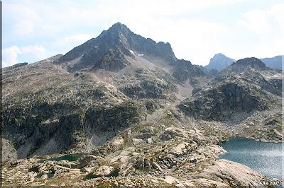 Pico Palas, debajo el ref. y lagos de Arrémoulit
