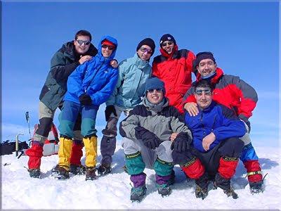 Bisaurin mendiaren gailurra 2.670 m.  -  2004an otsailaren 7an
