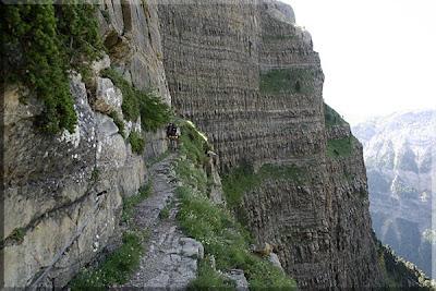 Estrecho sendero de Fajeta