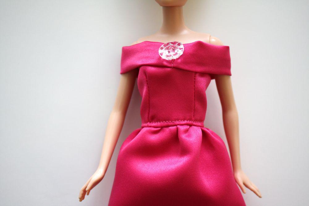 Как сделать платье для куклы своими руками
