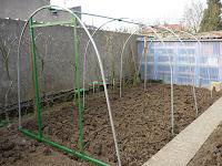 Le jardin de jummy fabriquer une serre - Fabriquer sa serre de jardin ...