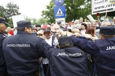 Cadrele didactice intră în grevă generală din 31 mai