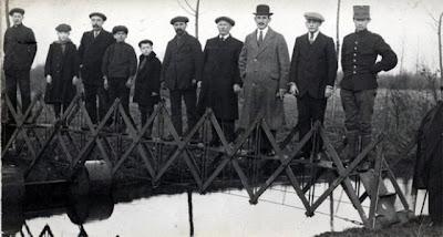 Folding Emergency Bridge (Netherlands, 1926)