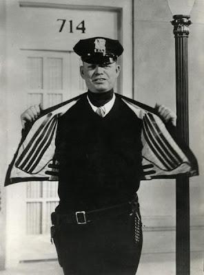Electrically Heated Jacket (USA, 1932)
